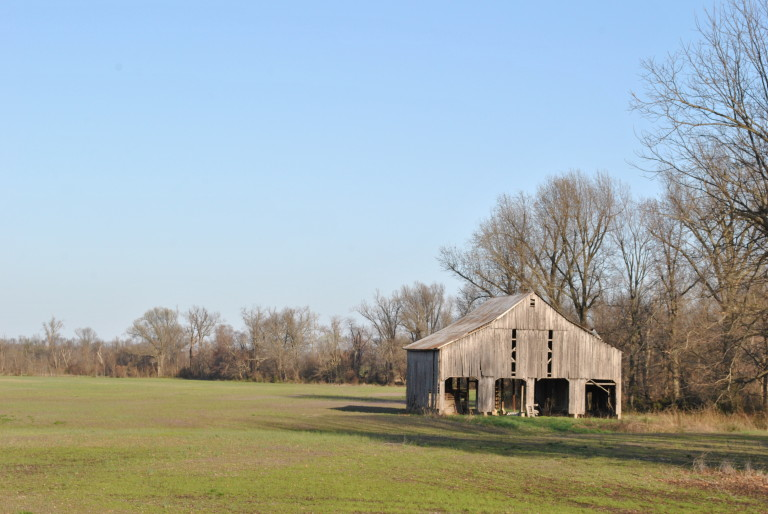 A vacant barn in Folsomdale, Ky., reminds us of the simplicity our hearts crave this morning.